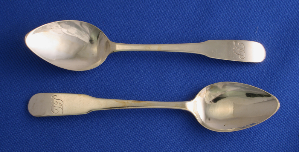 Tea Spoons Oar End Pattern