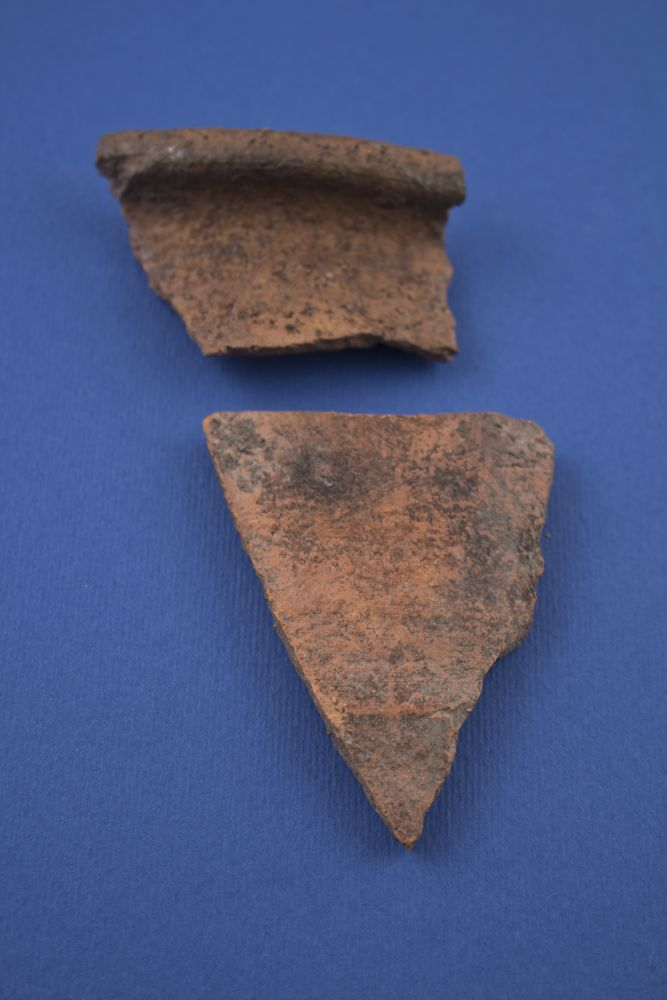 WTAH079n  Sherds Of Red Gritty Ware - Cooking Pots